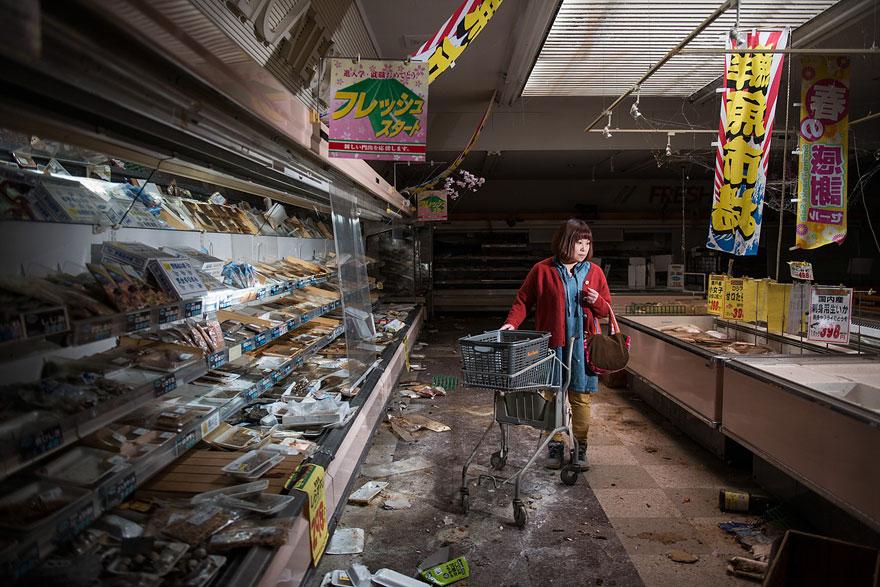 Πρώην κάτοικοι της Fukushima επιστρέφουν στην πόλη φάντασμα