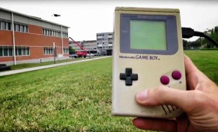 Το παλιό και κλασικό Game Boy γίνεται τηλεχειριστήριο για Drone
