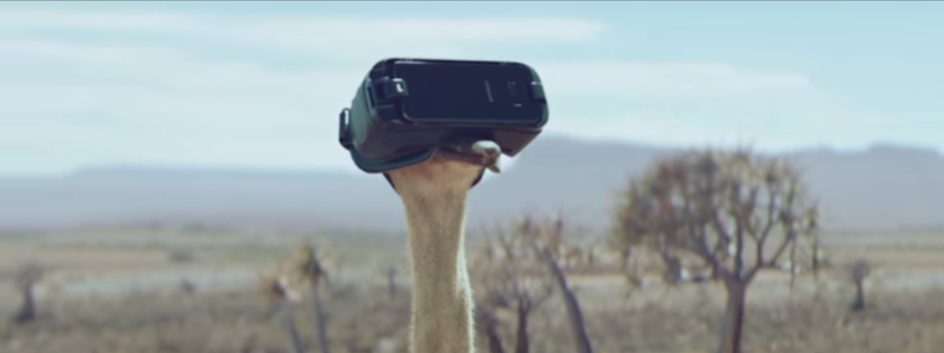 #DoWhatYouCant: Η νέα καμπάνια της Samsung με πρωταγωνίστρια μια στρουθοκάμηλο