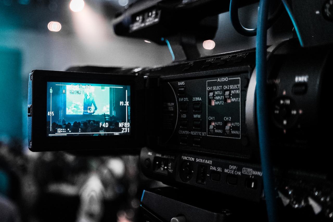 TESLA: Ένα κορίτσι 10 ετών η αφορμή για έναν ολόκληρο διαγωνισμό βίντεο