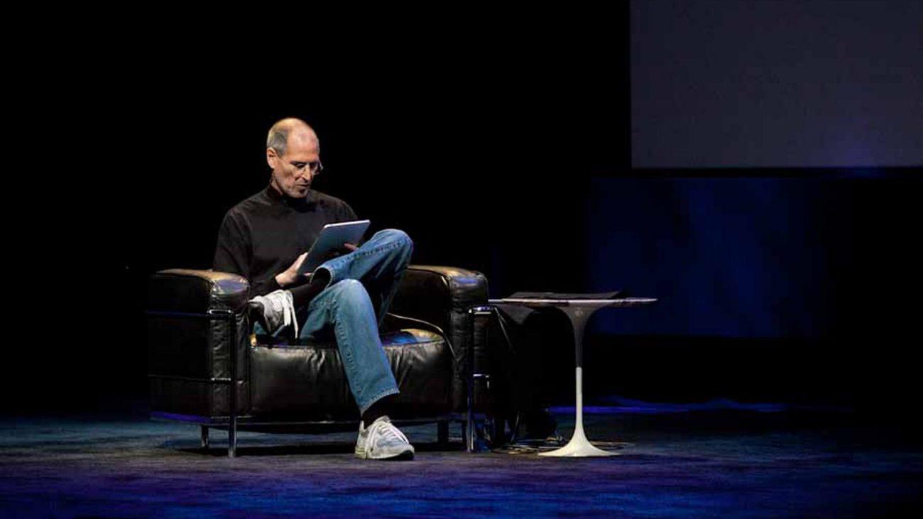 Όλα τα στάδια της ζωής του Steve Jobs σε ένα μόνο infographic