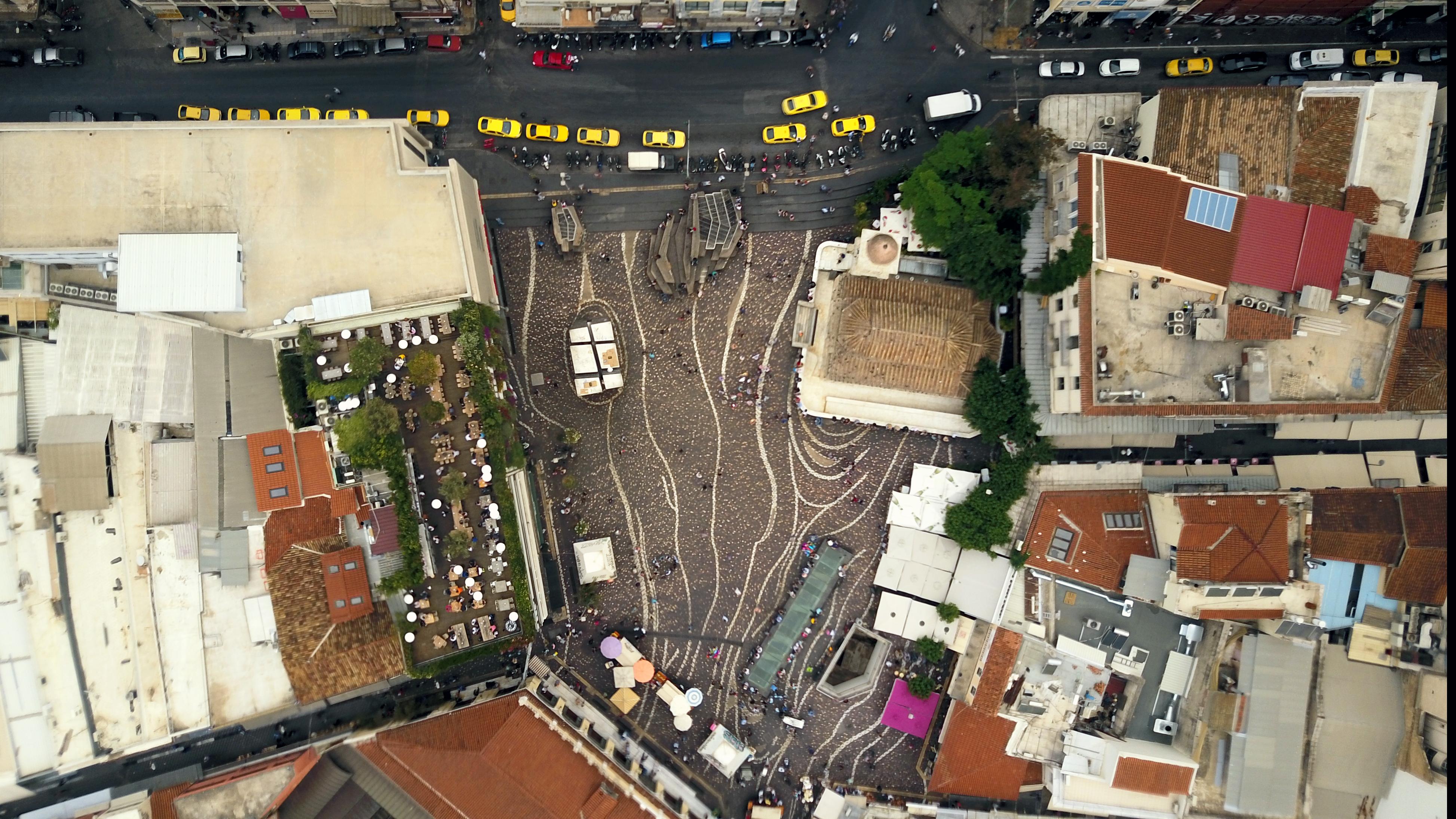 Ο g_lgs μας ταξιδεύει στην Αθήνα από μια διαφορετική οπτική γωνία
