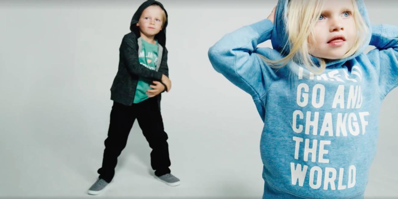 """Just Kids"": Μια καμπάνια όχι από την Η&Μ, αλλά από τις μαμάδες"