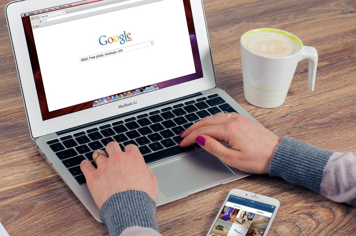Η Google δυσκολεύει την αναζήτηση των εικόνων στη σελίδα της